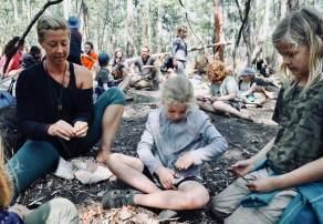 Making pottery (Bushgum Bushcraft)